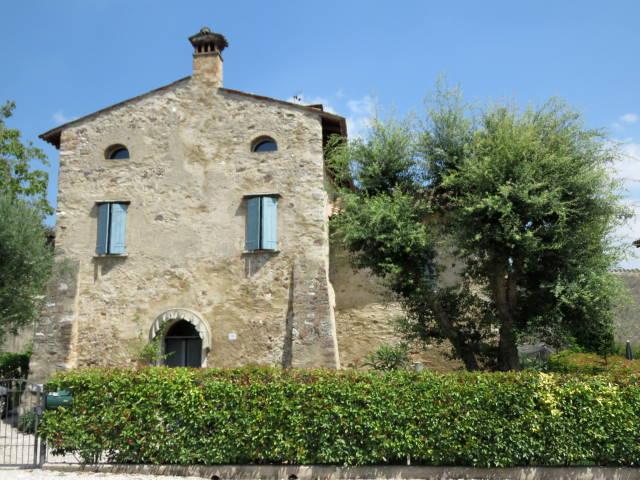 Castellaro Lagusello, Mantova. Lago di Garda